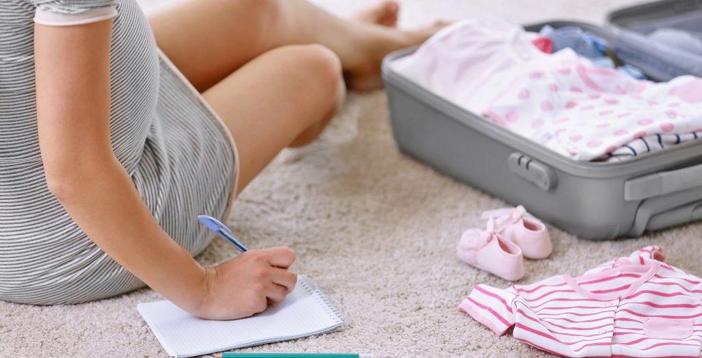 the essential items list for mommy hospital bag 妈妈待产包必须用品