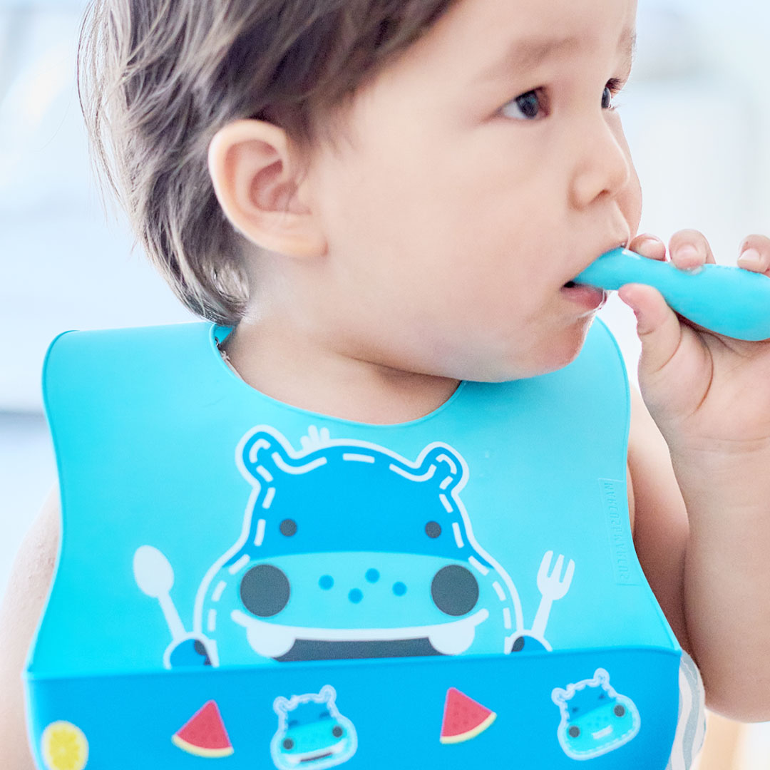 marcus and marcus wide coverage baby silicone bib 宝宝辅食必备阔版围兜