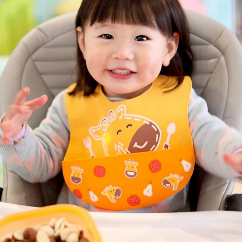marcus and marcus wide coverage baby silicone bib 宝宝辅食必备阔版围兜