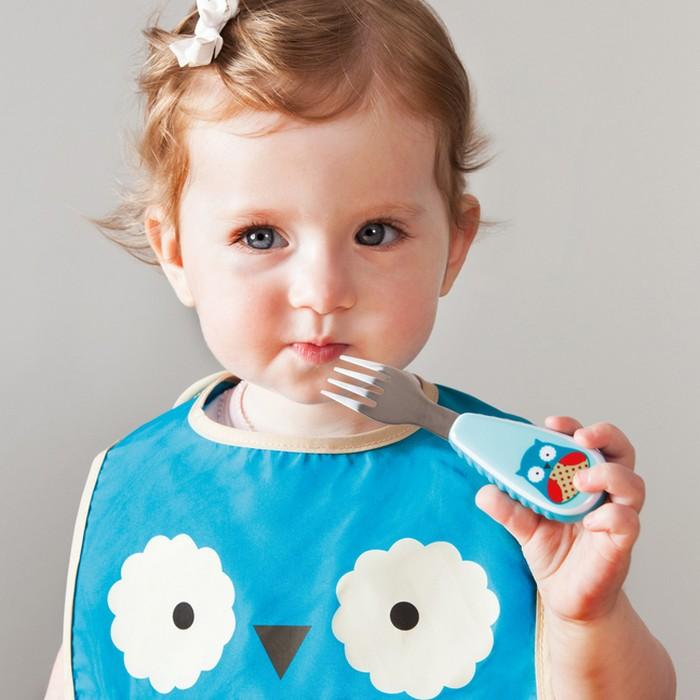 kids feeding spoon and fork