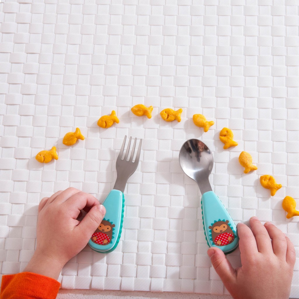 kids feeding spoon and fork